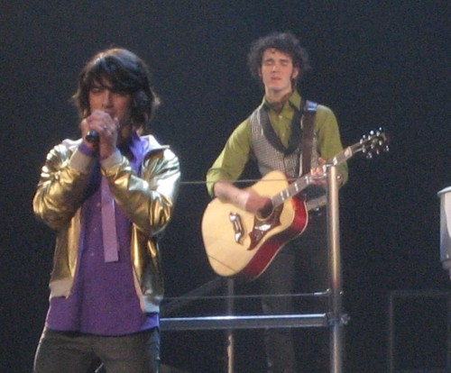Joe Jonas in Concert